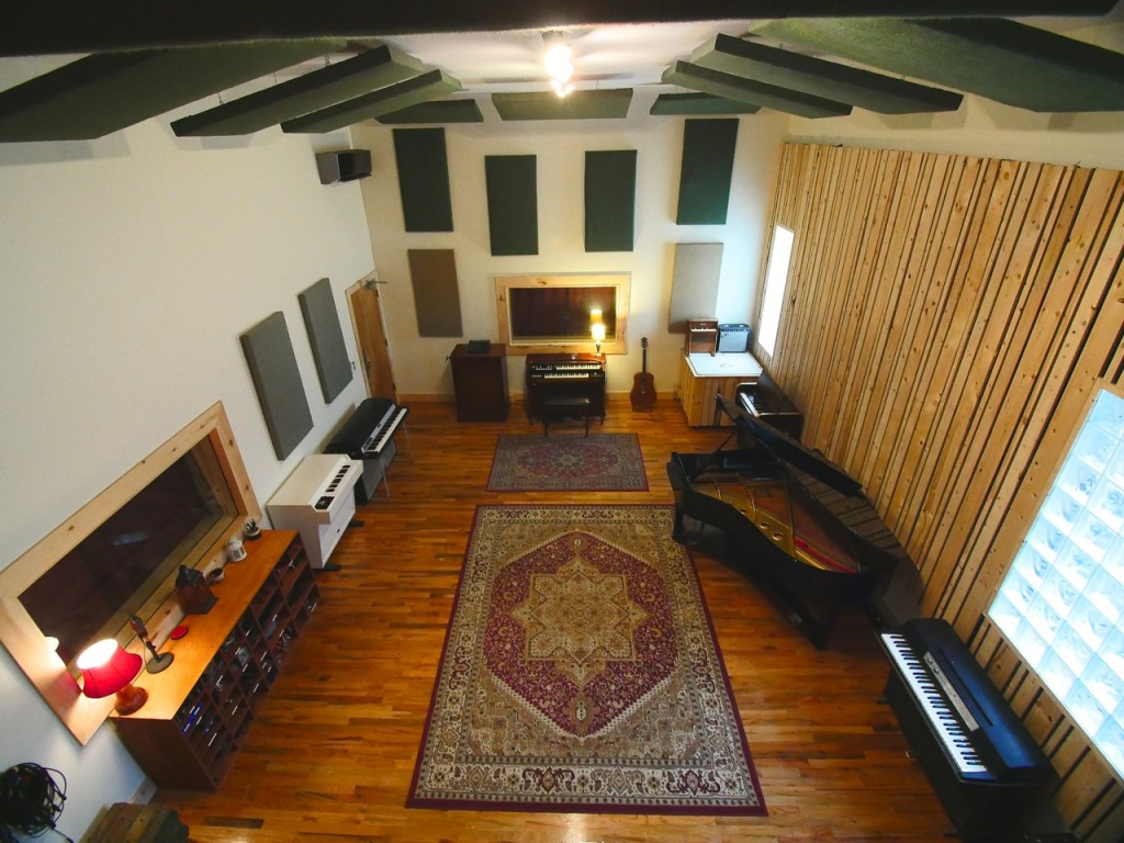 virtue-and-vice-live-room-yamaha-piano-dw-drums-mellotron-0