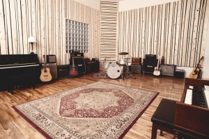 virtue-and-vice-studio-live-room